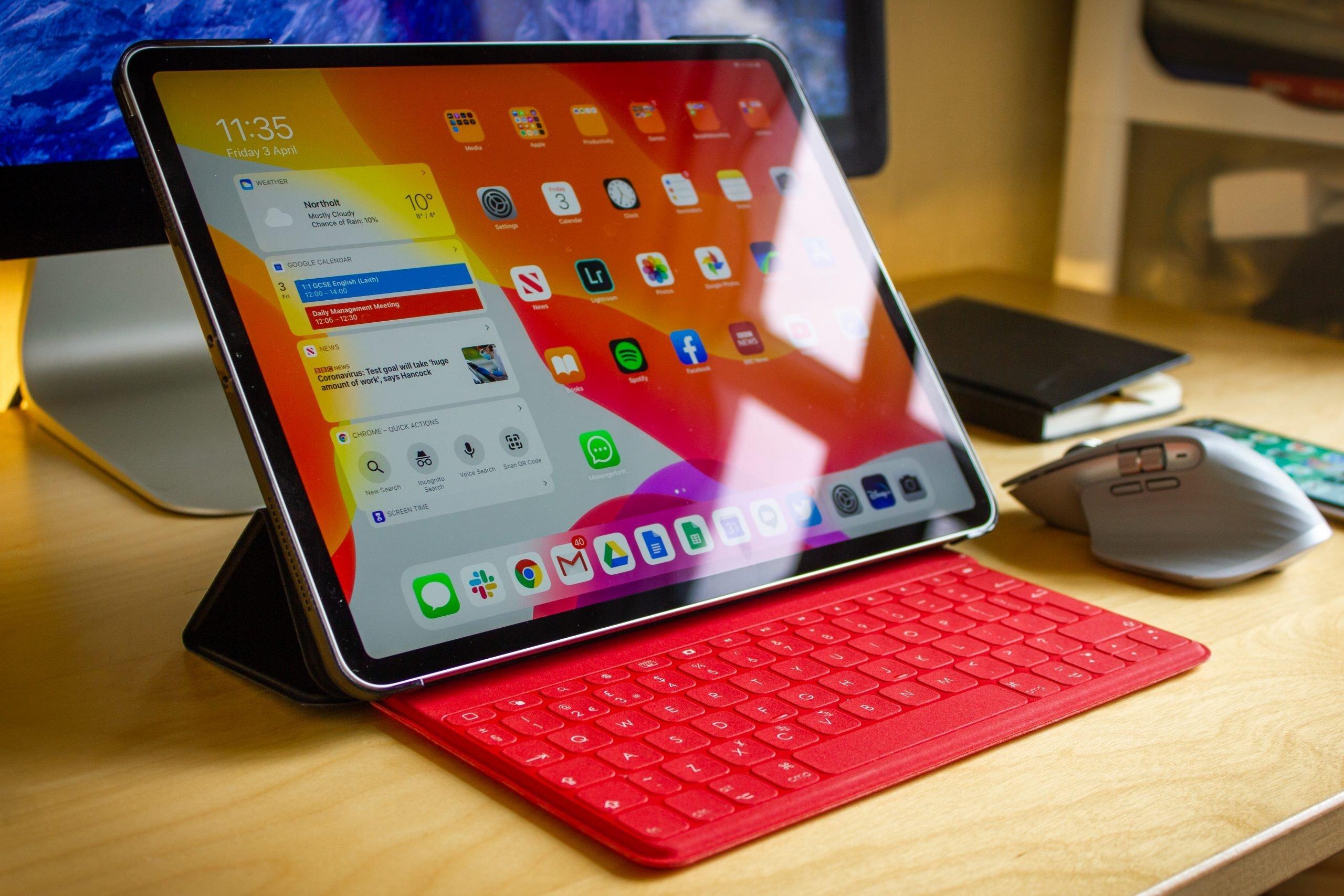 iPad-Pro-desk